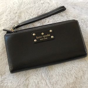 ♠️ Kate Spade Wellesley leather wallet/wristlet♠️